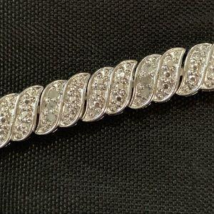 Jewelry - Diamond wave bracelet